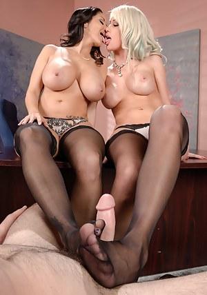 Lesbian Footjob Porn Pictures